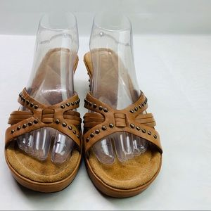 White Mountain Brown Leather Sandals Size 8.5M